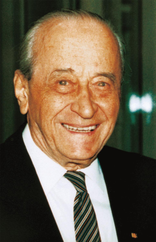 Eduard Rhein im Alter von fast 92 Jahren bei seinem letzten öffentlichen Auftritt auf dem Petersberg im Jahre 1992.
